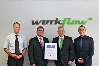 Freude bei der Überreichung des AMS-Zertifikats: Markus Kärcher und Fabian Bender erhielten von Georg Krämer (Präventionsleiter der VBG-Bezirksverwaltung Mainz) und Tobias Belz das AMS-Zertifikat.